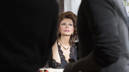 dolce-and-gabbana-sophia-loren-lipstick-n1-makeup-ad-campaign-backstage-3